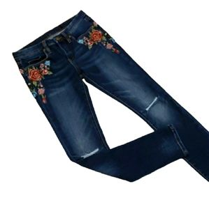 Anthro Blank NYC Embroidered Skinny Jean Size 27